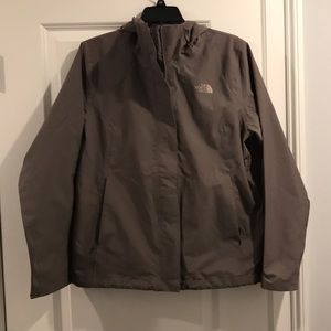 NWOT THE NORTH FACE WOMEN RAIN JACKET DRYVENT